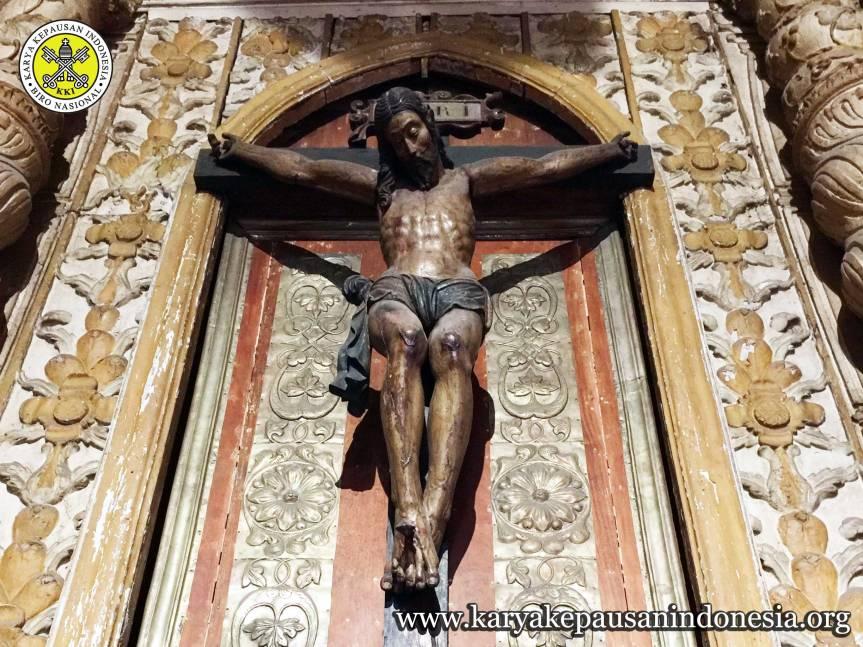 Salib Kristus Simbol KasihSejati