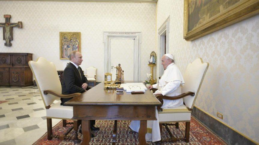Bapa Paus Bertemu PresidenPutin