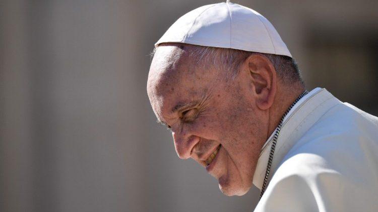 "Sebuah ""Tanda yang Indah"" dari Paus Fransiskus pada HariNamanya"