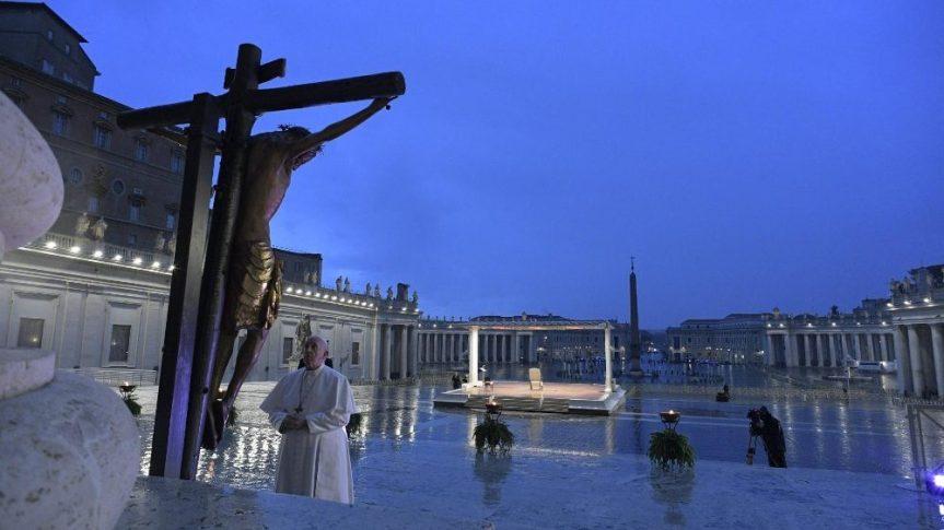 Paus Mendengarkan, MenunjukkanSolidaritas