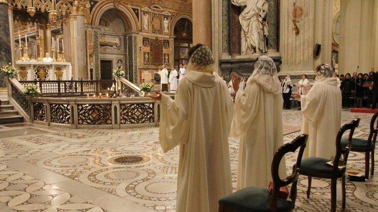 Teks lengkap: Pesan Paus untuk Perawan yangDitahbiskan
