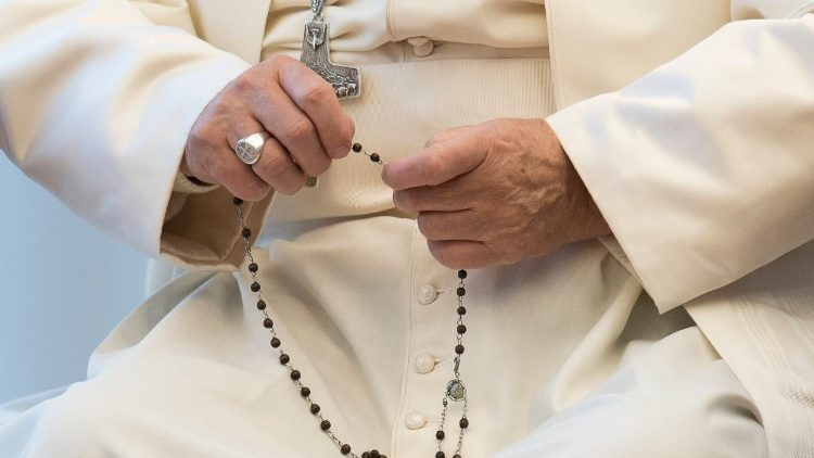 Paus Fransiskus berdoa rosario bersama tempat-tempat sucidunia