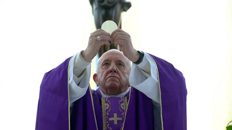 Umat Allah bersama gembala mereka, PausFransiskus