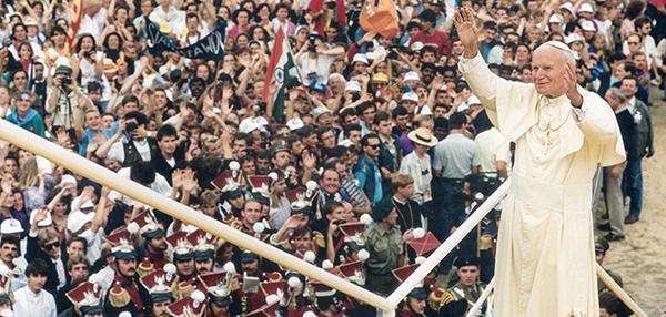 Pesan Paus Fransiskus untuk Orang Muda pada Peringatan 100 Tahun Kelahiran Santo Paus Yohanes PaulusII