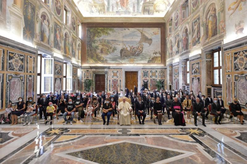 Pidato Paus Fransiskus kepada Anggota Circolo SanPietro