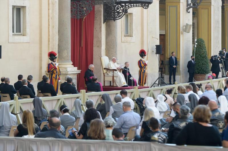 Katekese dan Sapaan Paus Fransiskus pada Audiensi Umum – 16 September2020