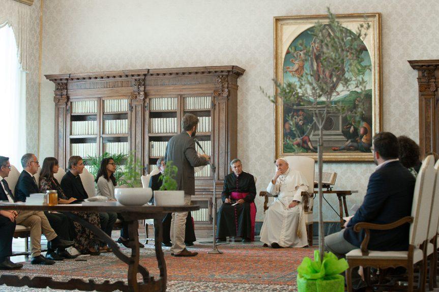 Paus Fransiskus: Perubahan umat manusia diperlukan untuk menyembuhkanbumi