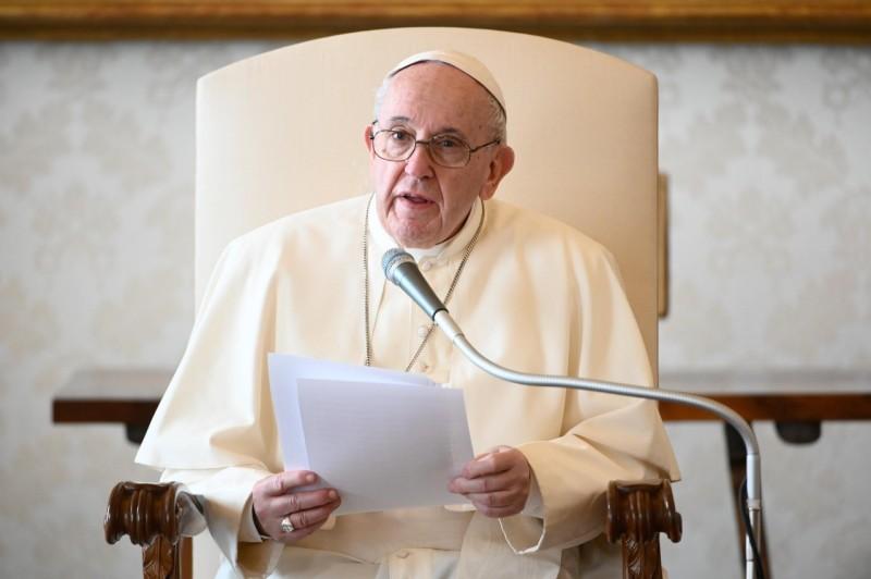 Katekese dan Sapaan Paus Fransiskus pada Audiensi Umum – 25 November2020