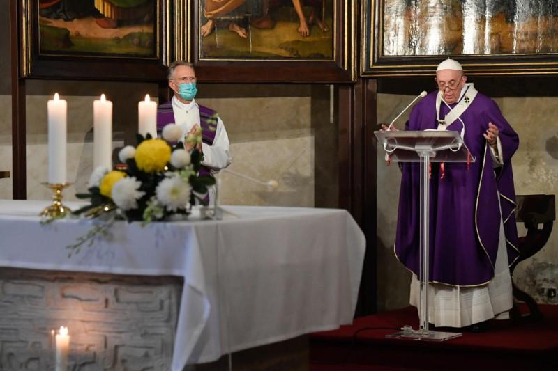Homili Paus Fransiskus pada Misa Kudus Peringatan Arwah Semua Orangberiman