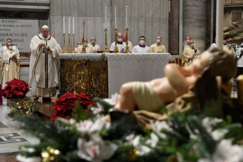Homili Paus Fransiskus pada Misa Malam Natal – 24 Desember2020