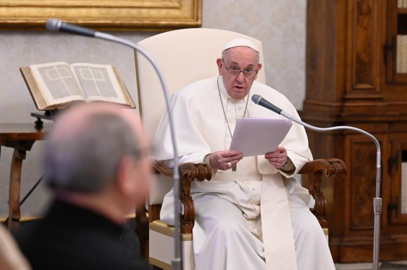 Katekese Paus Fransiskus pada Audiensi Umum – 10 Februari2021