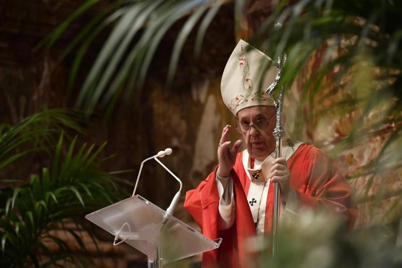Homili Paus Fransiskus pada Misa Minggu Palma dan Sapaan pada Angelus – 28 Maret2021