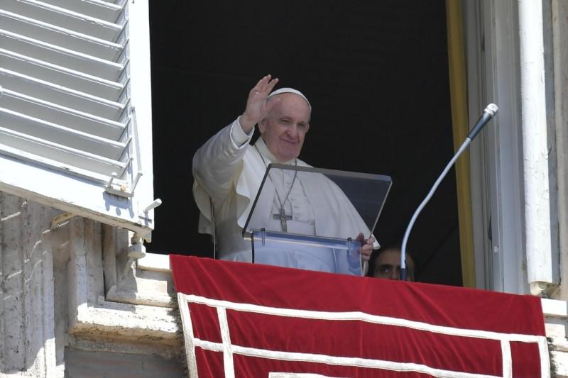 Sapaan Paus Fransiskus pada Doa Ratu Surga – 25 April2021