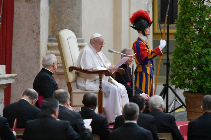 Katekese Paus Fransiskus pada Audiensi Umum – 2 Juni2021