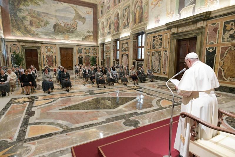 Pidato Paus Fransiskus kepada Para Suster Kongregasi Cinta Kasih – 11 Oktober2021