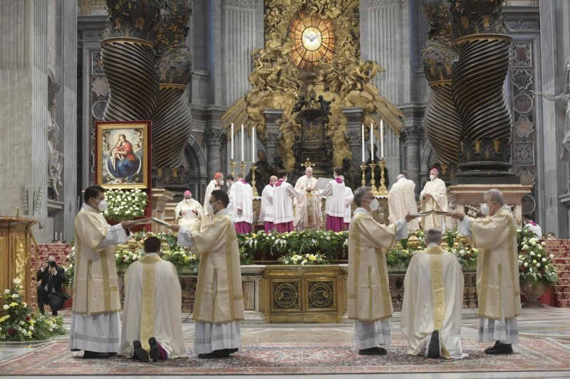 Homili Paus Fransiskus pada Misa Tahbisan Episkopal – 17 Oktober2021